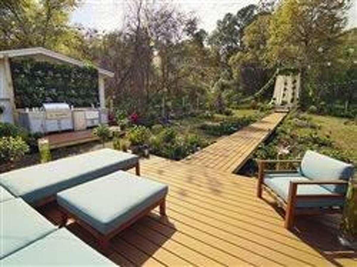 5 ways to turn your deck from drab to fab