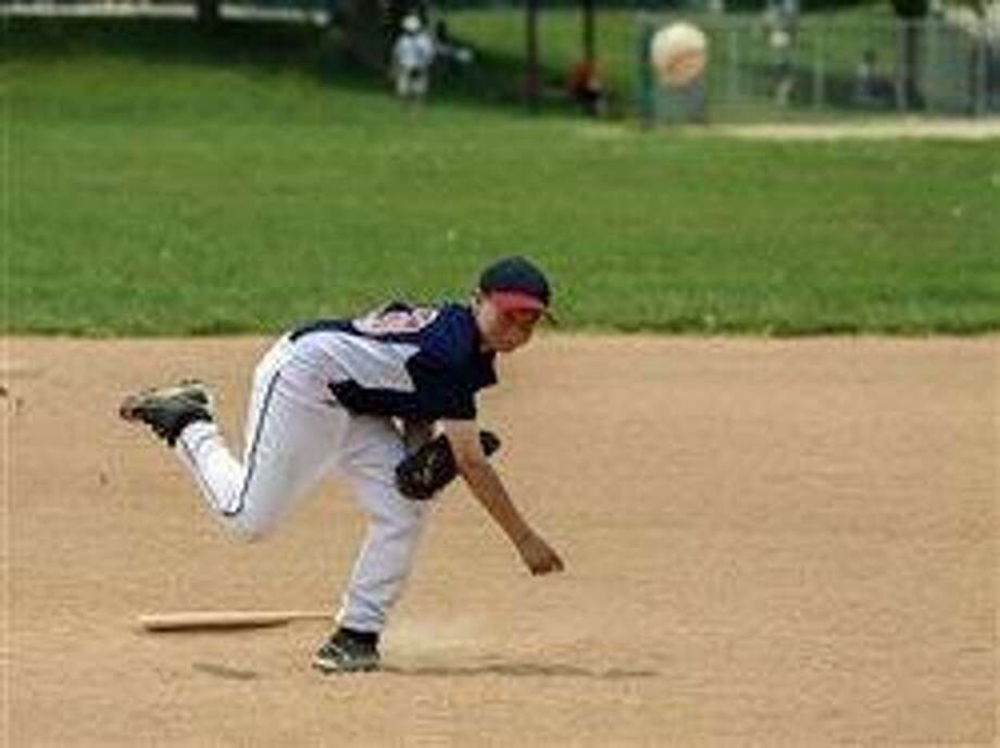 In baseball, overuse injuries plaguing more young athletes