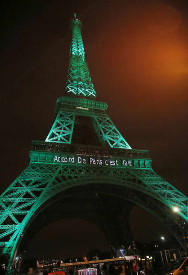 Eiffel Tower Lit Green In Honor Of Paris Climate Change Deal The