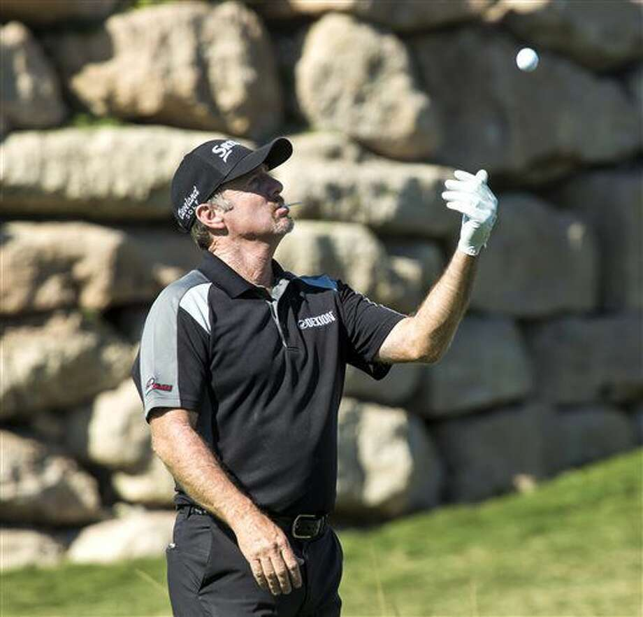 Rod Pampling shoots 11-under 60 to take Las Vegas lead - The