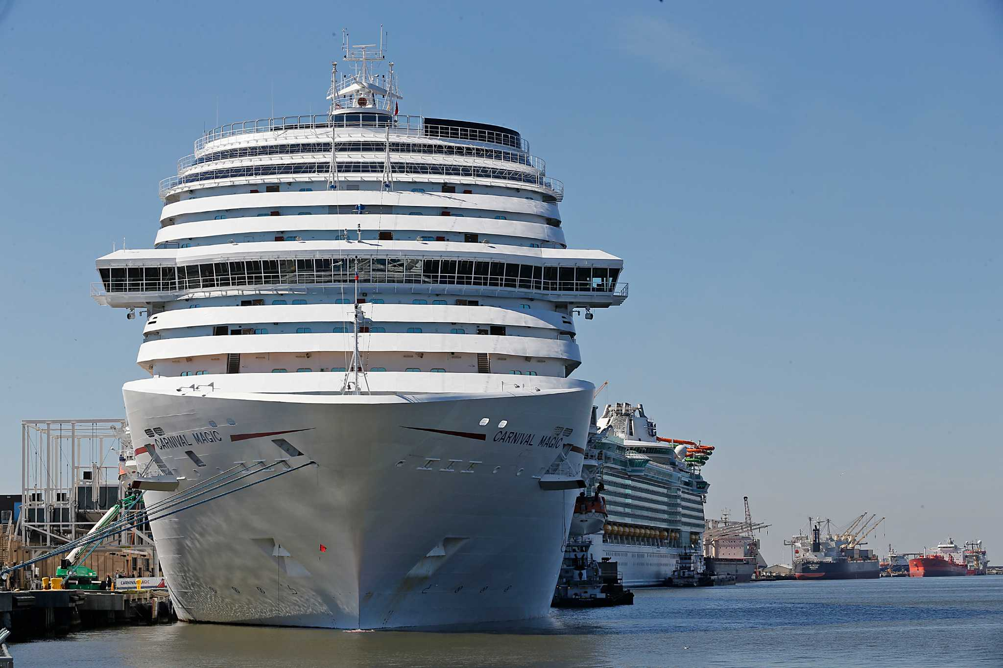 20 000 Stuck At Sea In Cruise Ships As Galveston Hunkers