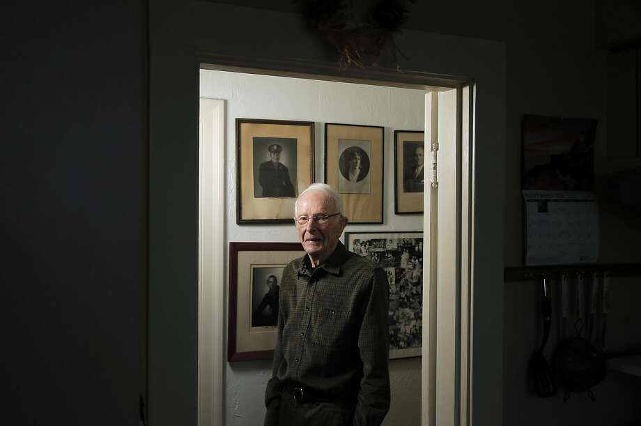 Top: Barry Livingston recalls how he and his father warned the neighborhood to turn off lights, fearing an attack on San Francisco after Pearl Harbor. Photo: Carlos Avila Gonzalez, The Chronicle