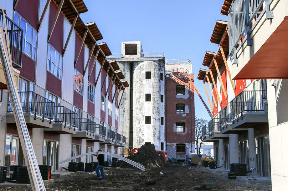 City Council voted 10-0 Thursday to allow more than half of a $400,000 loan to the developer of the Peanut Factory Lofts apartment complex to be forgiven on much easier terms than originally negotiated. Photo: San Antonio Express-News /File Photo / Express-News 2014