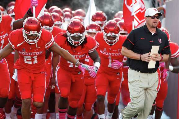 The University of Houston Cougars run onto the field at TDECU Stadium on Saturday, Oct. 29, 2016 in Houston. (Photo: Karen Warren / Houston Chronicle)