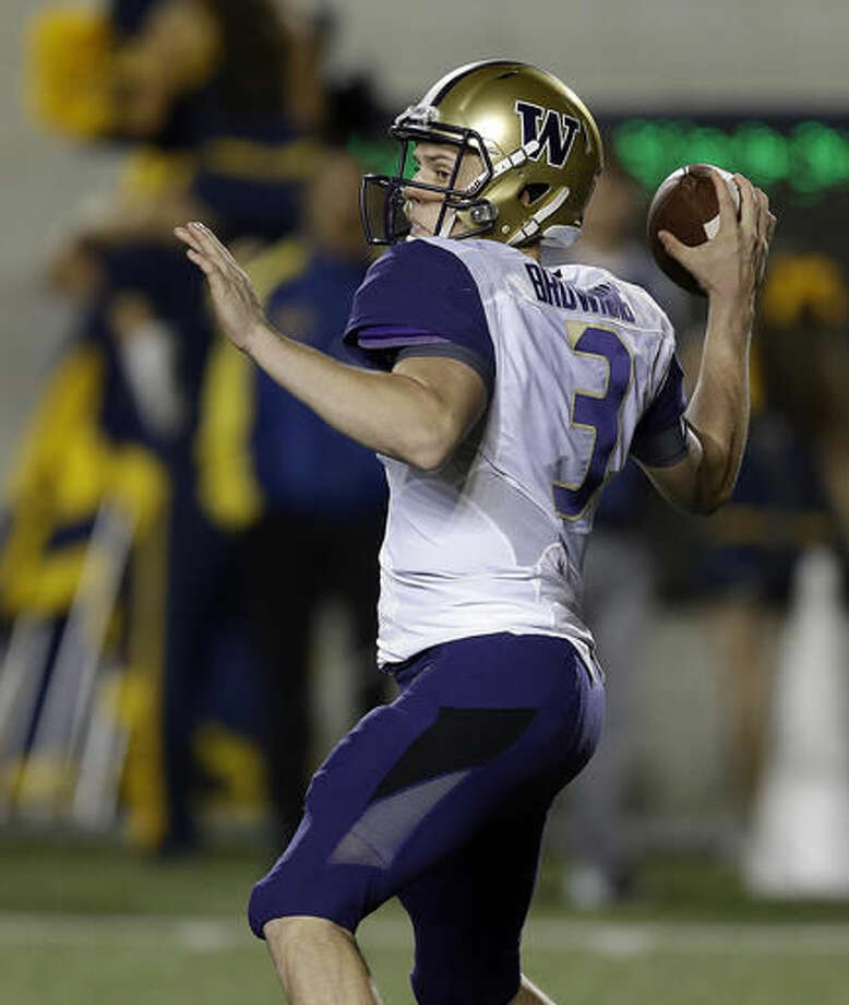 Washington quarterback Jake Browning passes against California during the first quarter of an NCAA college football game Saturday, Nov. 5, 2016, in Berkeley, Calif. (AP Photo/Ben Margot)