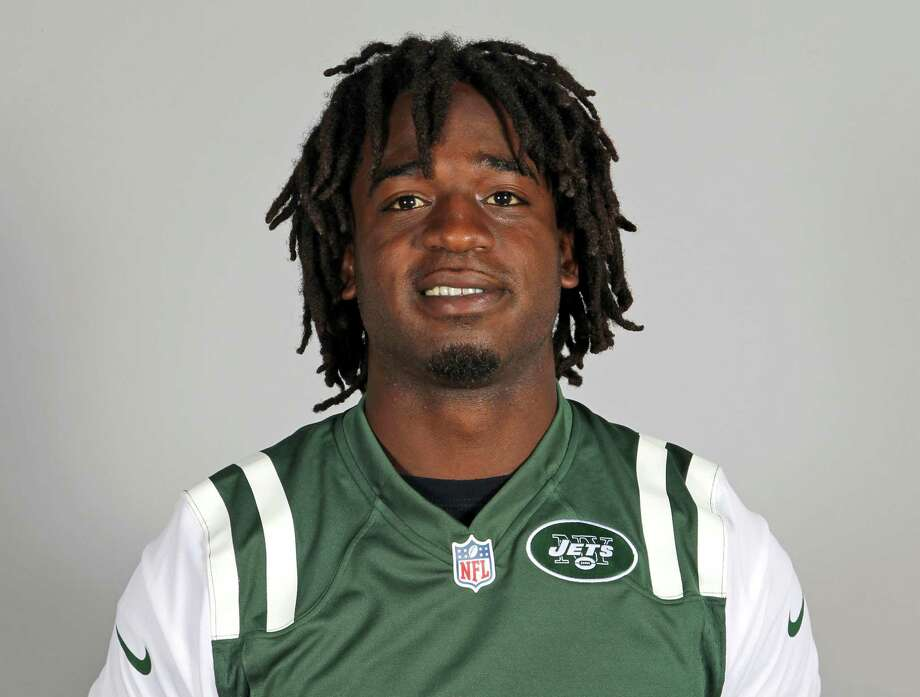 FILE - This is a 2013 file photo showing New York Jets running back Joe McKnight. Former NFL player McKnight has been shot to death following an argument at an intersection with another motorist. Jefferson Parish (La.) Sheriff Newell Normand says it happened about 2:43 p.m. Thursday, Dec. 1, 2016, in Terrytown, a suburb of New Orleans. (AP Photo/File) ORG XMIT: NY216 Photo: Uncredited / NFLPV AP