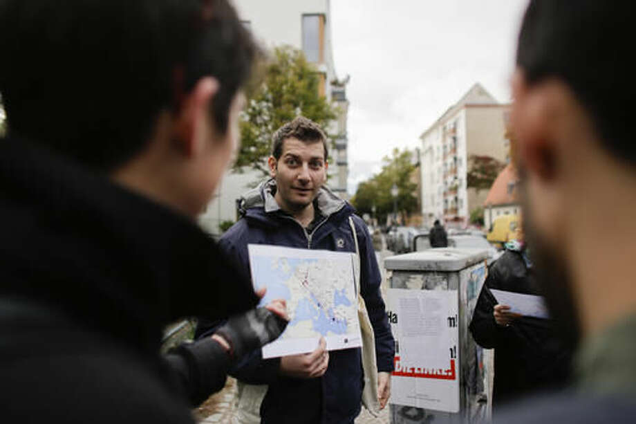 Syrian Guides Offer Refugee Tours Of Berlin The Edwardsville