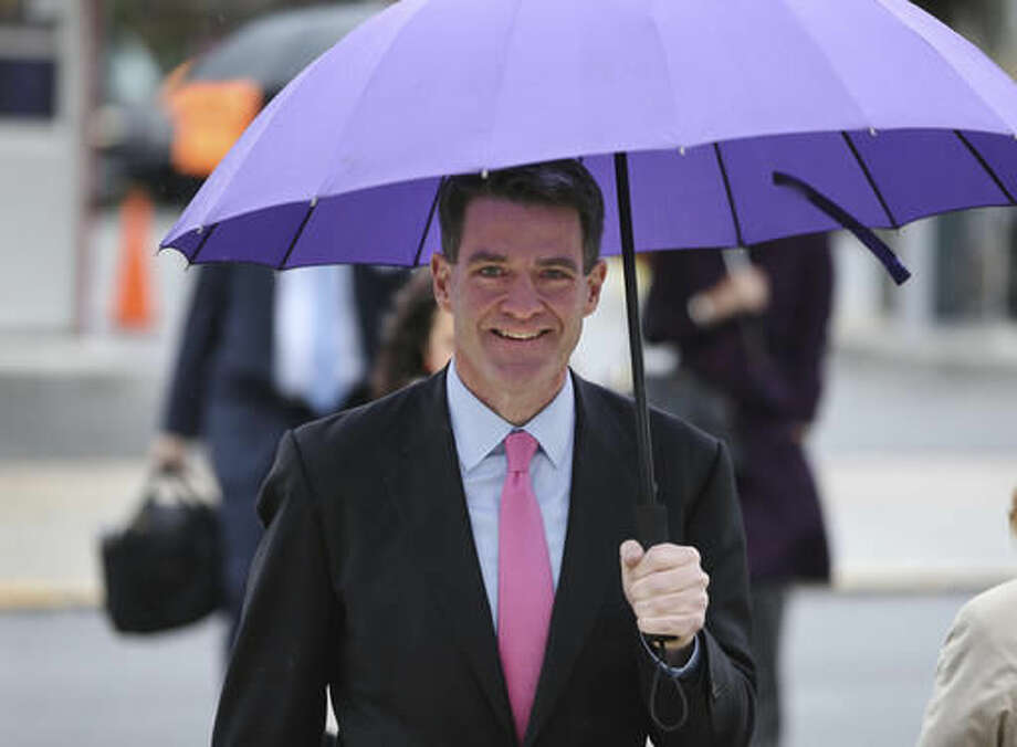 Bill Baroni arrives to the federal courthouse in Newark, N.J., Thursday, Oct. 27, 2016. After testimony spanning six weeks, jurors in the George Washington Bridge lane-closing case will hear closing arguments beginning today. Baroni and Bridget Kelly, two former allies of Republican Gov. Chris Christie are on trial on charges they closed access lanes for four days in September 2013 to punish a Democratic mayor who didn't endorse Christie. (AP Photo/Seth Wenig)