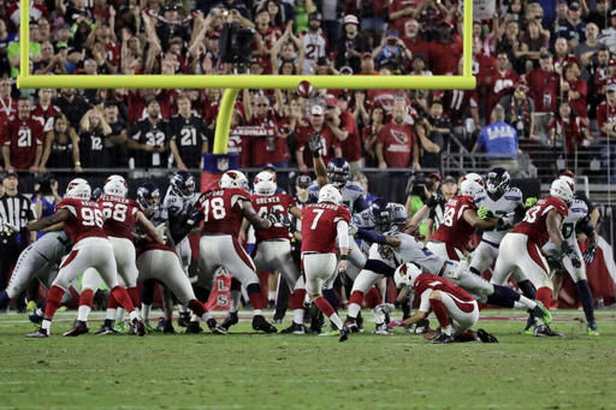 Arizona Cardinals kicker Chandler Catanzaro (7) misses a game-winning field goal attempt agasint Seattle Seahawks during overtime of an NFL football game, Sunday, Oct. 23, 2016, in Glendale, Ariz. (AP Photo/Rick Scuteri)
