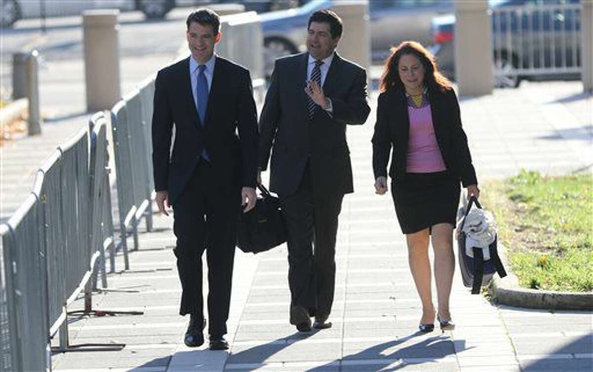 Bill Baroni, left, walks with his attorney, Michael Baldassare on their way to the Martin Luther King Jr. Federal Court in Newark, NJ., Monday, Oct. 24, 2016. (Kevin R. Wexler/The Record-Northjersey.com via AP)