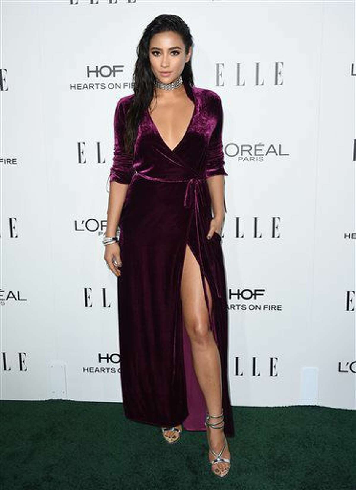 Shay Mitchell arrives at the 23rd annual ELLE Women in Hollywood Awards at the Four Season Hotel on Monday, Oct. 24, 2016, in Los Angeles. (Photo by Jordan Strauss/Invision/AP)