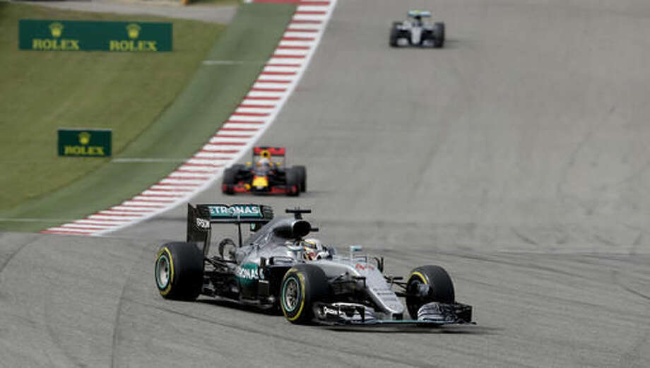 Mercedes driver Lewis Hamilton, of Britain, steers his car during the Formula One U.S. Grand Prix auto race at the Circuit of the Americas, Sunday, Oct. 23, 2016, in Austin, Texas. (AP Photo/Eric Gay)