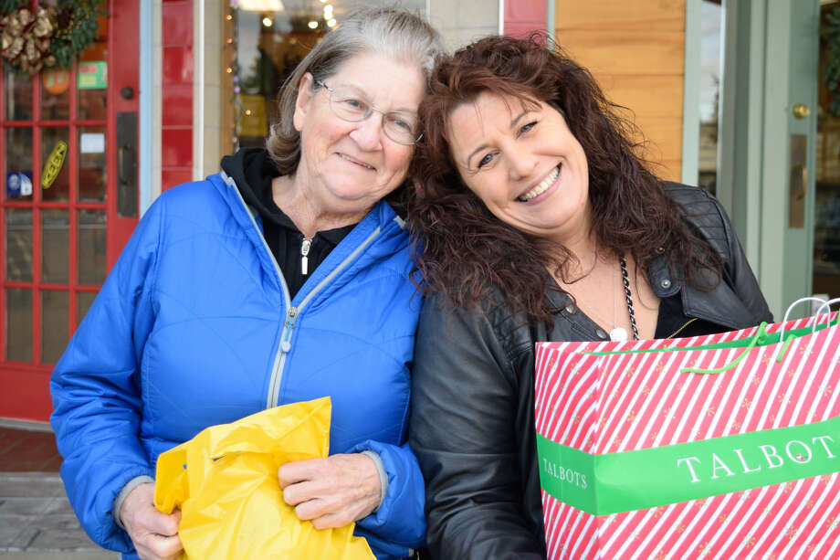 Were you SEEN Holiday Shopping at Stuyvesant Plaza on Friday, December 2, 2016? Photo: Cait Perry/Ed Lewi Associates