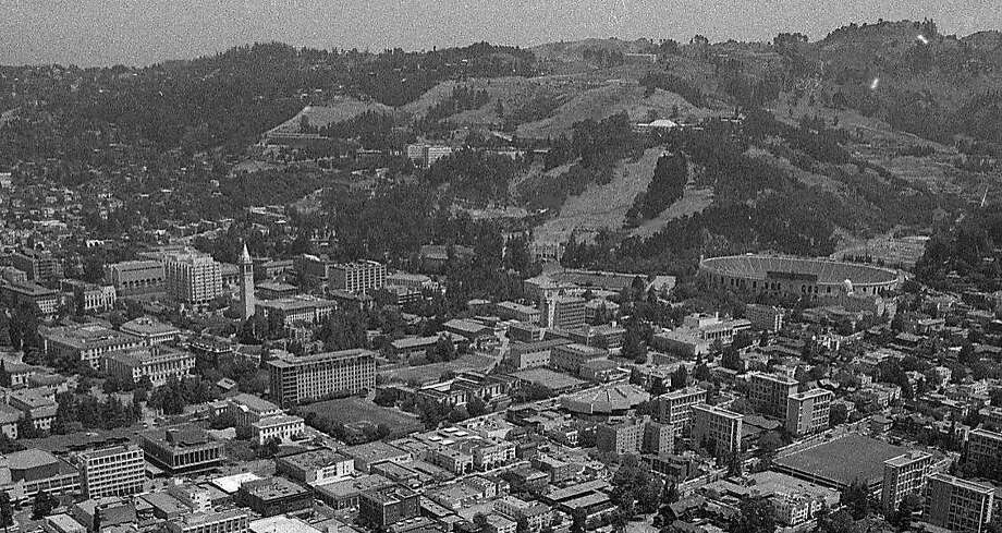 The UC Berkeley campus is seen from the air on June 12, 1975. Photo: Terry Schmitt, The Chronicle