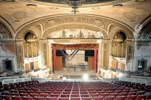 The Palace Theater in downtown Bridgeport, as seen from the upper balcony in November of 2005.