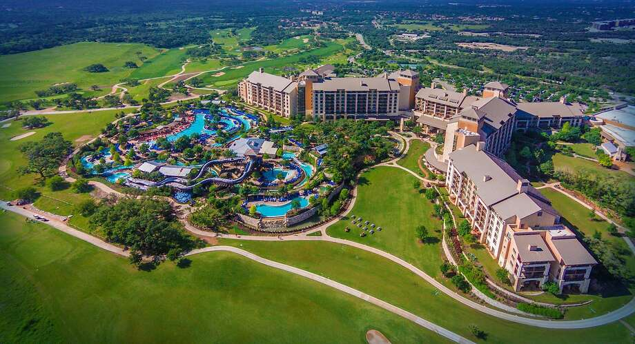 Check out Texas' favorite hotels with onsite water parks. Photo: Courtesy Illustration