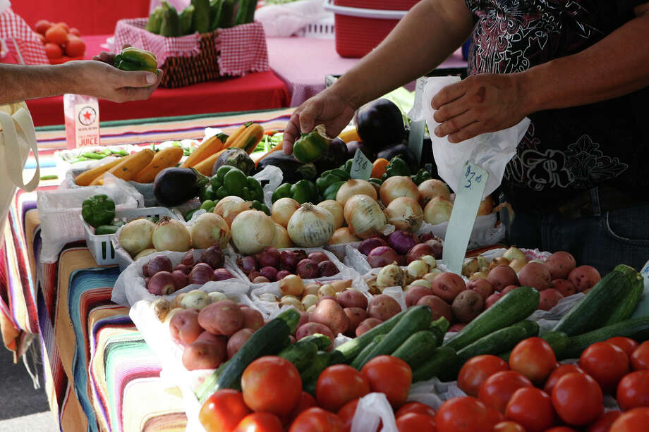 When consumers buy directly from a local farm, the farmer receives a larger portion of the food dollar. By buying food grown in Texas, we keep our money in Texas and help provide good-paying jobs for Texans. Photo: Cynthia Esparza / For San Antonio Express-News