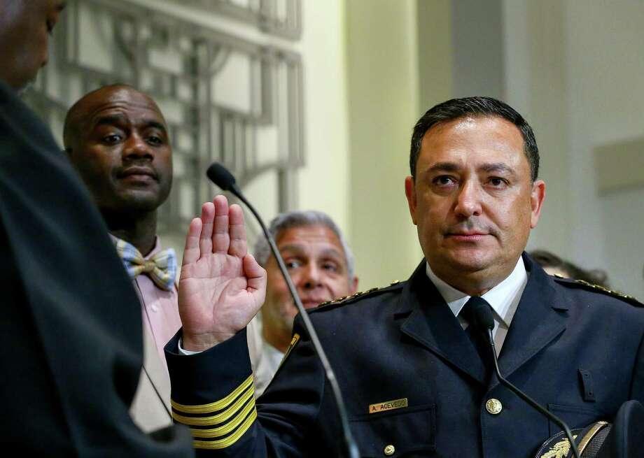 Art Acevedo is sworn in as Houston's police chief, Wednesday, Nov. 30, 2016, in Houston. ( Jon Shapley / Houston Chronicle ) Photo: Jon Shapley, Staff / © 2015  Houston Chronicle