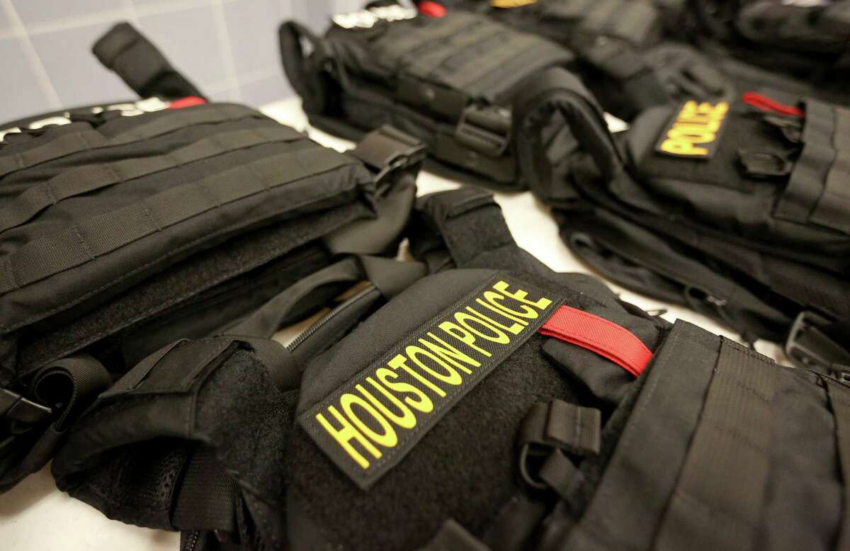 Houston Police Department?•s Police Foundation has purchased bulletproof vests that will protect officers from high-velocity ammunition. The external bulletproof vests, shown here in a Dec. 2, 2016 photo, could stop high-velocity ammunition, such as rifle bullets, while the internal bulletproof vests, which the police officers currently have, cannot.