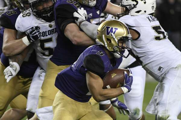 Washington Huskies running back Myles Gaskin gets around the corner against Colorado in the first quarter during the Pac-12 Championship game at Levi's Stadium December 02, 2016. (Photo by Andy Cross/The Denver Post via Getty Images)
