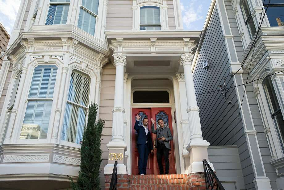 "John Brotherton (left) and Scott Weinger wave to fans outside the property used in the sitcom ""Full House"" as the home of the fictional Tanner family during a press event for the second season of the Netflix sequel ""Fuller House"" in San Francisco, Calif., on Friday, December 2, 2016. ""Full House"" creator Jeff Franklin recently purchased the property. Photo: Laura Morton / Special To The Chronicle 2016"