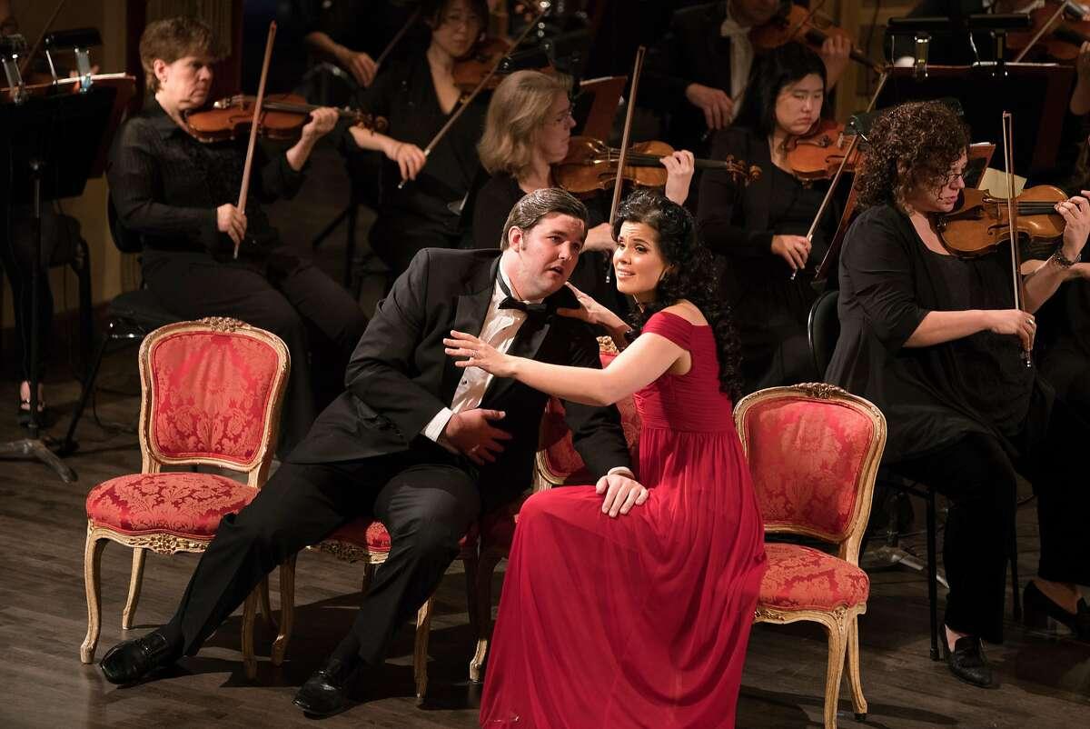 Matthew Stump (l.) and Zanda Svede perform a duet by Massenet at the Adler Fellows gala concert