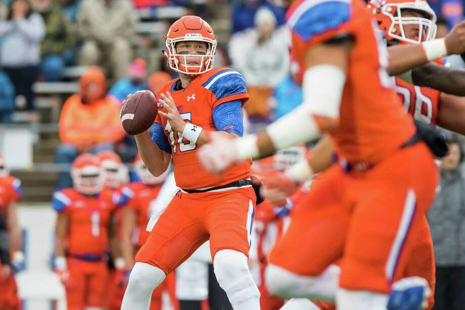 Sam Houston State quarterback Jeremiah Briscoe threw for 363 yards and five touchdowns in Saturday's FCS playoff victory over Chattanooga. Photo: Joe Buvid, Freelance / © 2016 Joe Buvid
