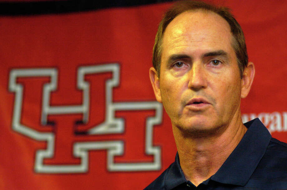 Art Briles, who led UH's football team from 2003-07, will not be returning for a second stint on Cullen Boulevard after the university declined to interview the embattled former Baylor coach for its vacancy. Photo: Johnny Hanson, Freelance / Johnny Hanson 2006