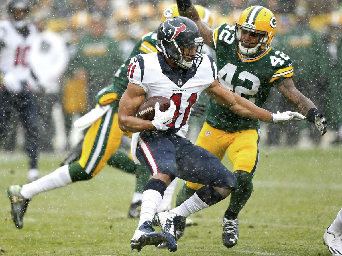 McCLAIN'S GRADES FOR TEXANS VS. PACKERS Running back Lamar Miller played with sore ribs and finished with only 22 yards on 14 carries. Jonathan Grimes (above) and Alfred Blue combined for 10 carries and 81 yards. Grimes averaged 8.6 yards a carry and Blue 7.6. Grade: C-plus