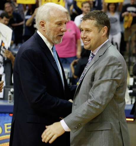 Dave Joreger (right) credits the Spurs' Gregg Popovich for helping to jump-start his NBA coaching career. Photo: Frederick Breedon /Getty Images / 2016 Getty Images