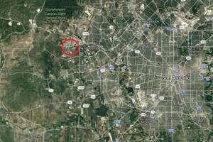 10 Year Old Texas Girl Kills 13 Foot 800 Pound Alligator With Crossbow San Antonio Express News