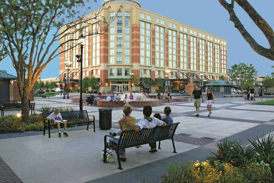 Sugar Land Town Square is an entertainment, dining, shopping and business district located at the intersection of Interstate 59 and Highway 6. Photo: Planned Community Developers Ltd
