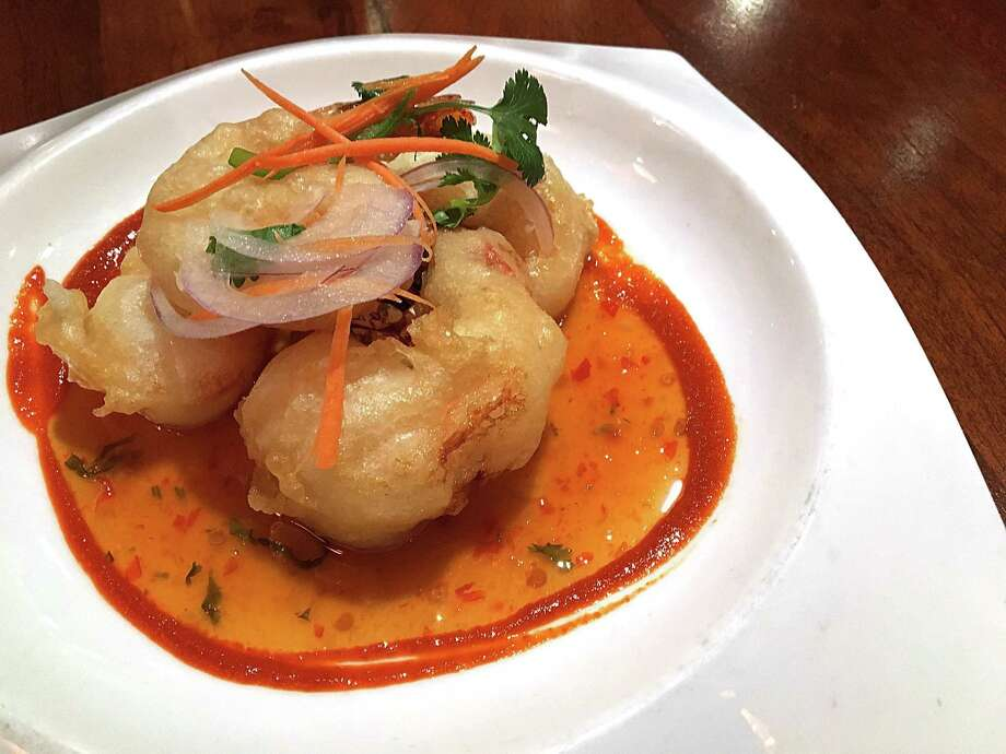 Tempura shrimp with sweet chile sauce at The Grill at Leon Springs. Photo: Mike Sutter /San Antonio Express-News