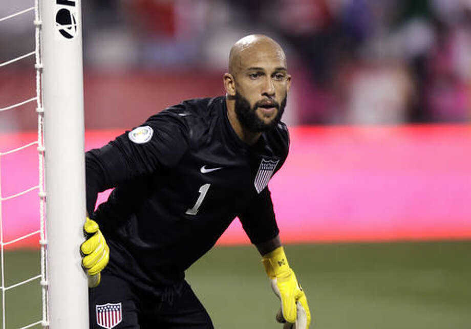 FILE - In this Sept. 10, 2013, file photo, United States' Tim Howard plays against Mexico in a World Cup qualifying soccer match in Columbus, Ohio. Howard will be back in the goal on Friday night, Nov. 11, 2016, when the U.S. plays Mexico in a final-round qualifier for the 2018 World Cup.(AP Photo/Jay LaPrete, File) Photo: Jay LaPrete