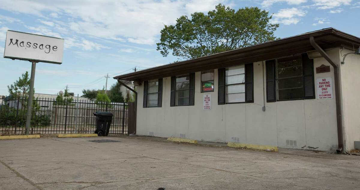 Harris County filed a lawsuit last year accusing this massage parlor on Richmond Avenue of being a front for prostitution, but the facility remained open weeks later. (Yi-Chin Lee / Houston Chronicle )
