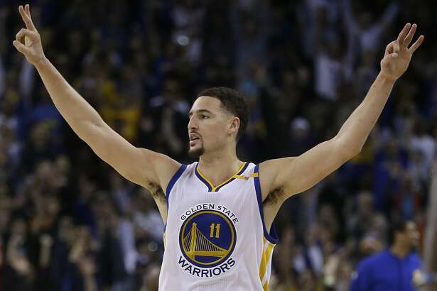 Golden State Warriors' Klay Thompson celebrates a score during the third quarter of an NBA basketball game against the Indiana Pacers Monday, Dec. 5, 2016, in Oakland, Calif. (AP Photo/Ben Margot)