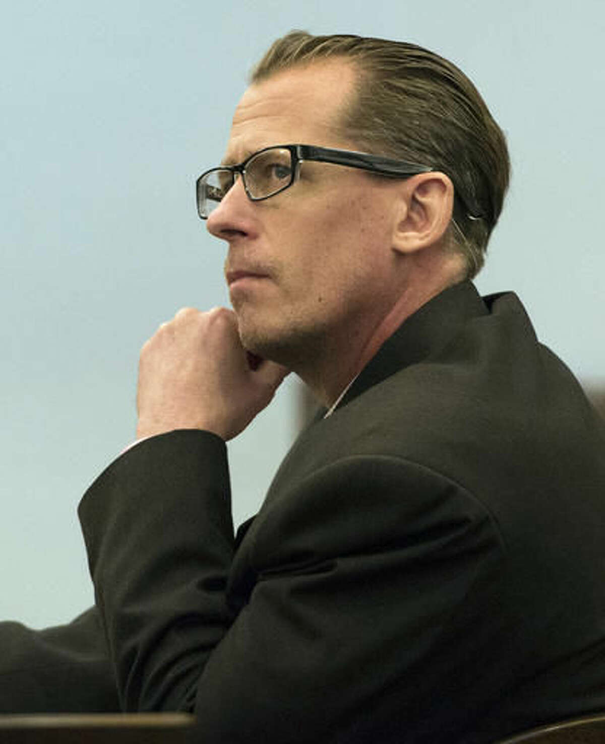 Steven Dean Gordon listens during opening statements in his trial Wednesday, Nov. 16, 2016, at Orange County Superior Court in Santa Ana. Calif. Gordon, 47, a sex offender accused of raping and killing four women while he wore an electronic monitoring device during a months-long rampage in Southern California, is acting as his own attorney during opening statements. (Sam Gangwer/The Orange County Register via AP) /The Orange County Register via AP)