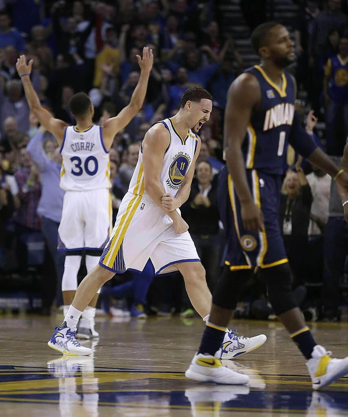 Klay Thompson erupts for 60 points as Warriors rout Pacers