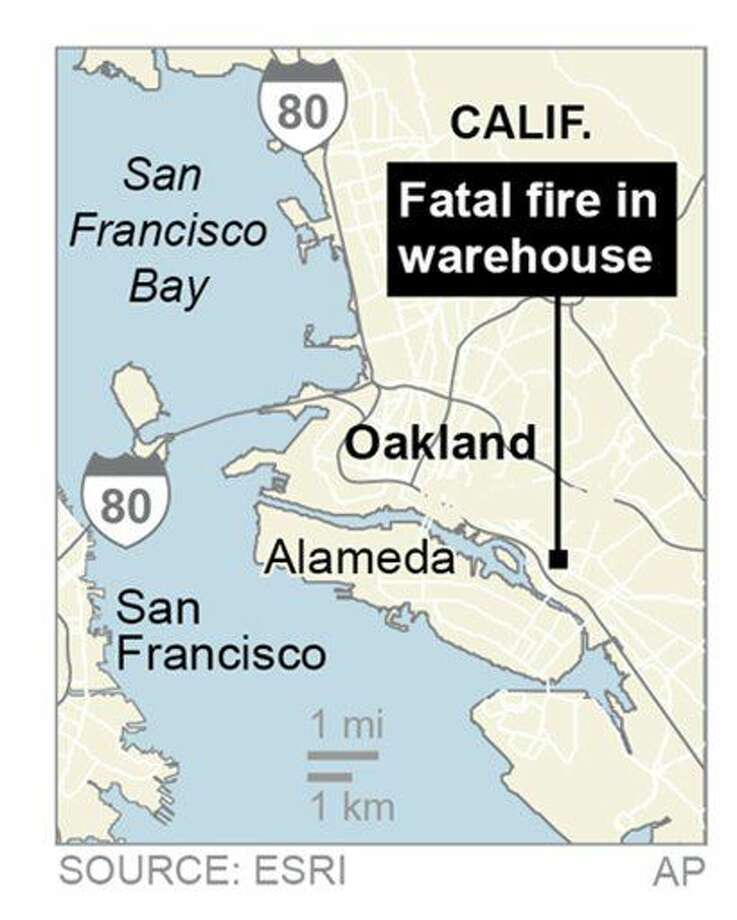 San Francisco Bay Area authorities say a fire has broken out at an Oakland warehouse.; 1c x 4 inches; 46.5 mm x 101 mm;