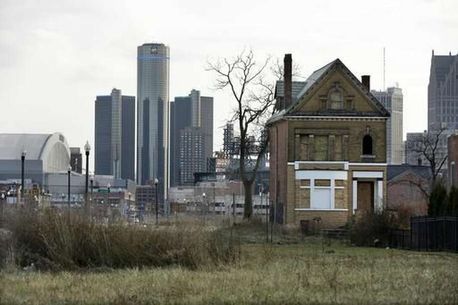 Here are 19 US cities where you can live comfortably on less than $50,000 a year.Detroit, MichiganMedian Household Income:$25,764 Photo: Carlos Osorio