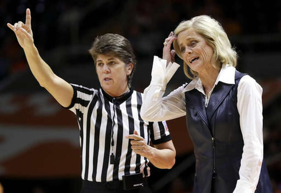 Baylor head coach Kim Mulkey argues a call in the first half of an NCAA college basketball game against Tennessee, Sunday, Dec. 4, 2016, in Knoxville, Tenn. (AP Photo/Mark Humphrey)