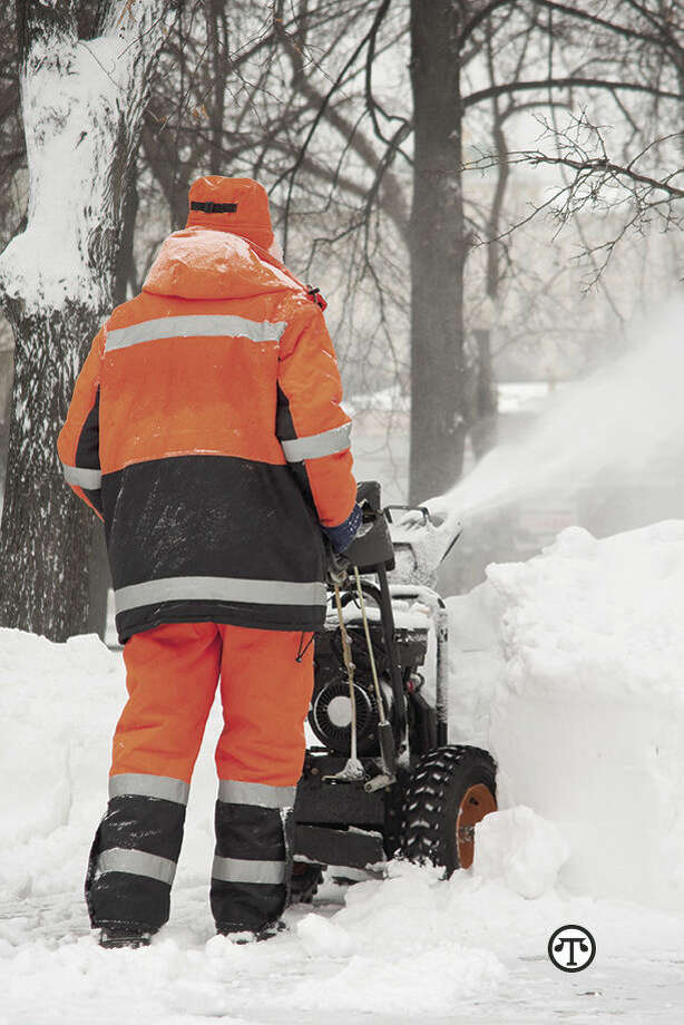 Snow thrower safety can be simpler if you heed 10 cool tips. (NAPS) Photo: AAAAAA>AA AAA>AA