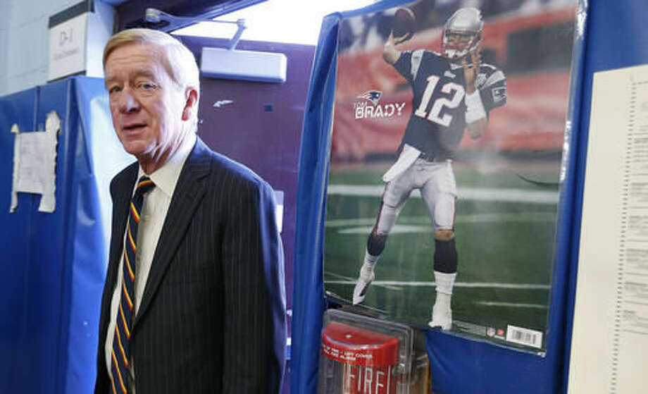 Libertarian vice presidential candidate, former Massachusetts Gov. Bill Weld arrives to cast his vote at the John F. Kennedy Elementary School in Canton, Mass., Tuesday, Nov. 8, 2016. (AP Photo/Michael Dwyer) Photo: Michael Dwyer