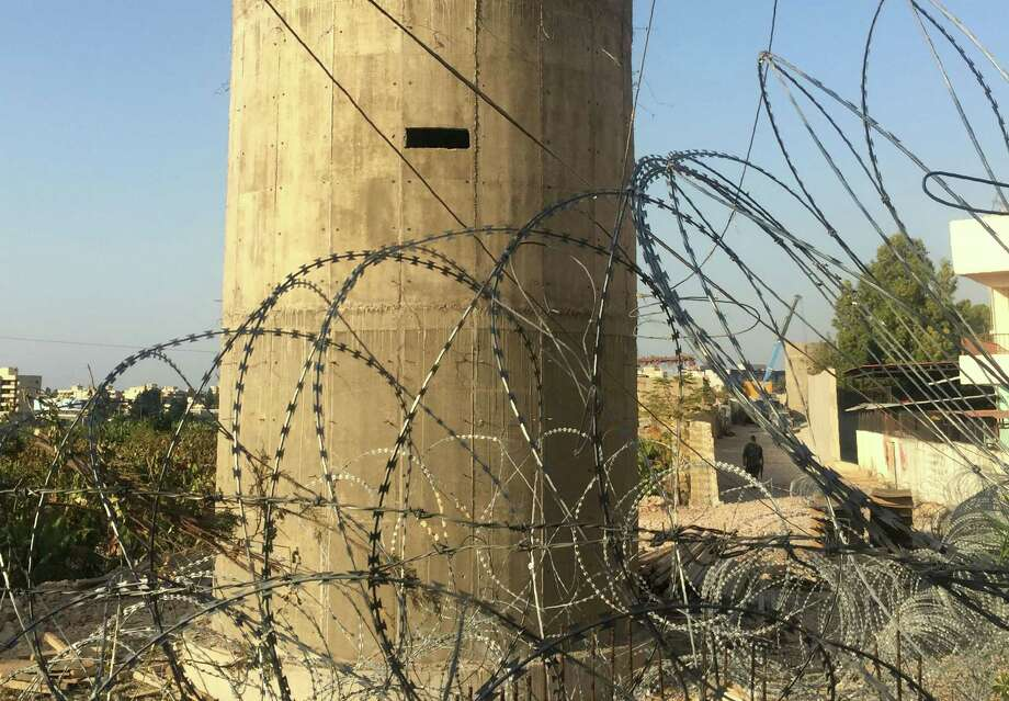 Near the Lebanese city of Sidon,  Lebanon is building a wall near the country's largest Palestinian refugee camp to prevent jihadist infiltrations, a military source said. Photo: STRINGER, AFP/Getty Images / AFP or licensors