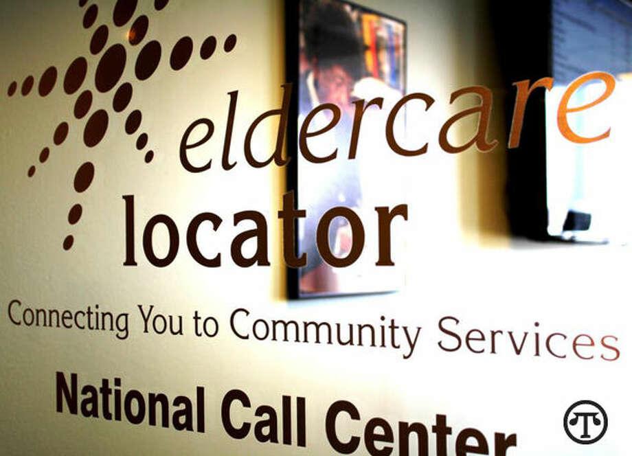 La gente mayor de este país puede obtener toda una serie de consejos, información y recursos útiles con solo una llamada o una sola visita online. (NAPS)