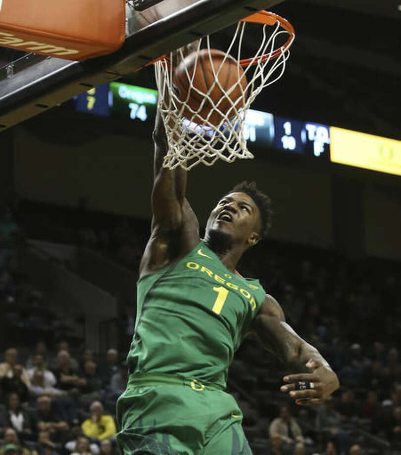 Oregon's Jordan Bell dunks against Valparaiso during the second half of an NCAA college basketball game Thursday, Nov. 17, 2016, in Eugene, Ore. (AP Photo/Chris Pietsch)