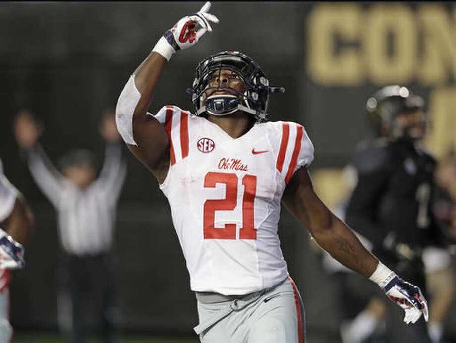 sports shoes 6f1c8 4f807 Ralph Webb runs for 3 TDs as Vanderbilt routs Ole Miss 38-17 ...