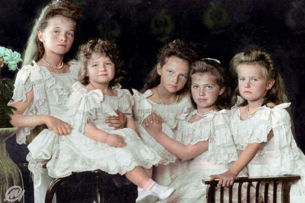 The children of Tsar Nicholas II, 1906. From left: Grand Duchess Olga, Tsesarevich Alexis, Grand Duchess Tatiana, Grand Duchess Maria and Grand Duchess Anastasia.