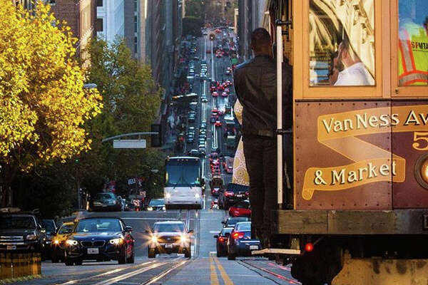 @beholdcreators  gave us this view down California Street in San Francisco.