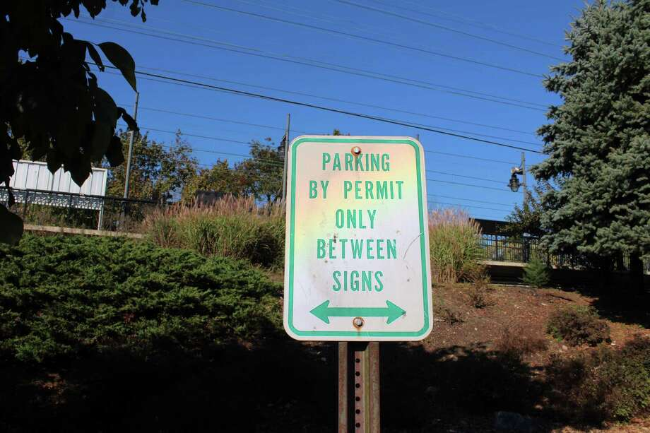 A permit-only sign outside the Darien Train Station on Oct. 18, 2016 in Darien, Conn. Photo: Justin Papp / Hearst Connecticut Media / Darien News